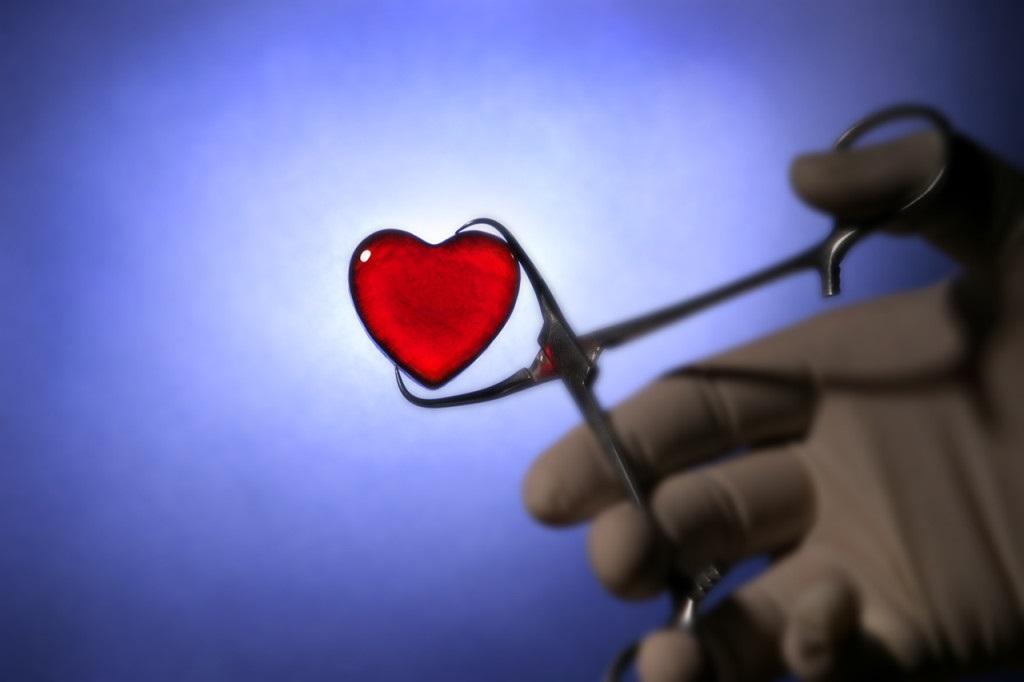 heart-glass-love-surgery-tools-1024x682